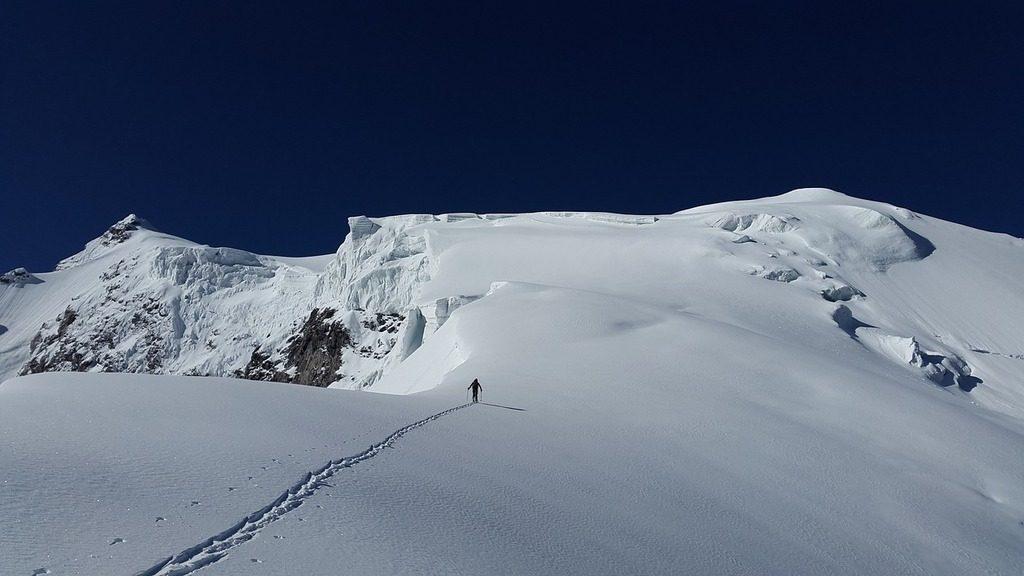 backcountry skier alpine touring bindings